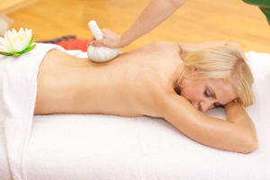 Thai-Massage auf Massagematte Test